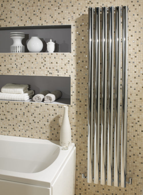 LOMOND VERTICAL CHROME RADIATOR