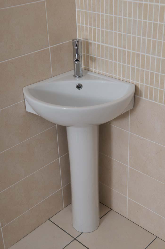 Skara 360 Corner Basin Amp Pedestal Bath Giant